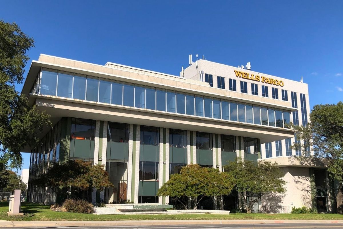 Wells Fargo building to be converted to Caddo rental offices and coworking
